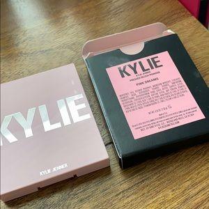 Kylie Cosmetics Makeup - Kylie blush Pink Dreams